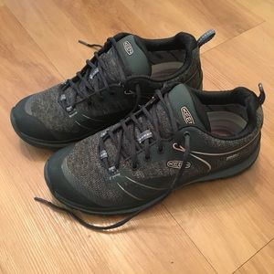 KEEN Womens Terradora Hiking Shoes